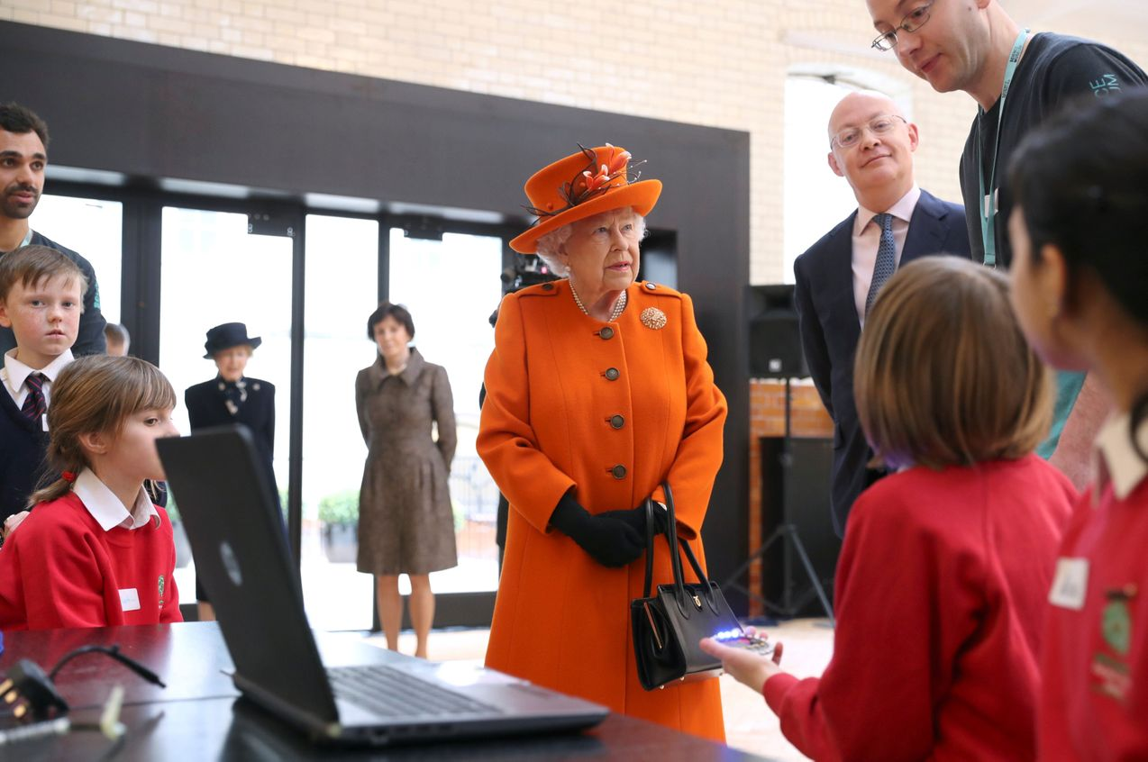 Queen Elizabeth learning how to make video calls to keep in touch with her family
